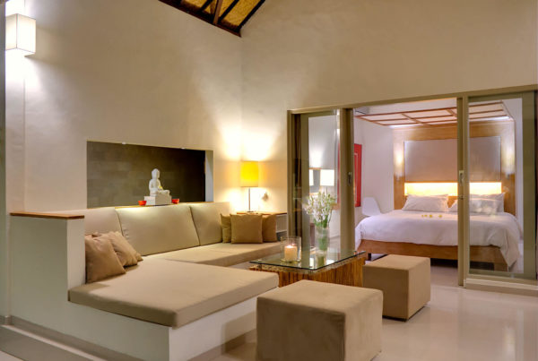 Private Luxury Villa to Rent for your Holidays in Bali, Sahana Villas Seminyak lounge and bedroom
