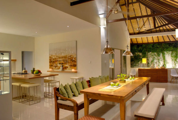 Private Luxury Villa to Rent for Holidays in Bali, Sahana Villas Seminyak dining room, night view